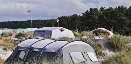 ein Campingplatz am Strand an der Ostsee